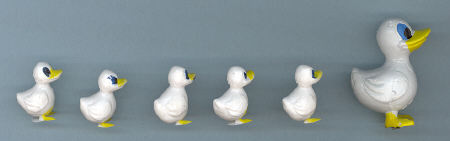 Duck with ducklings - 1-1/4 inch - 6 pieces