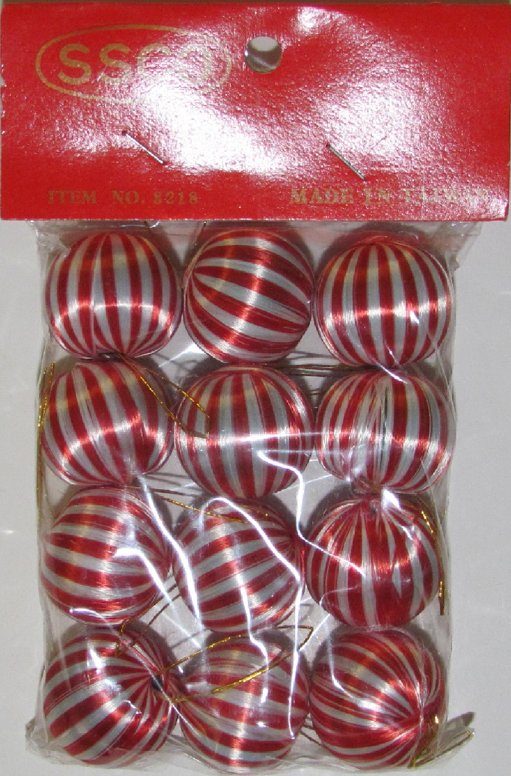 Satin balls - Peppermint - 25mm  - 12 pieces.