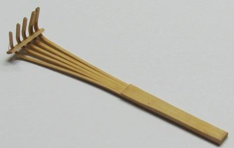 8 inch Bamboo Rake - 1 Piece