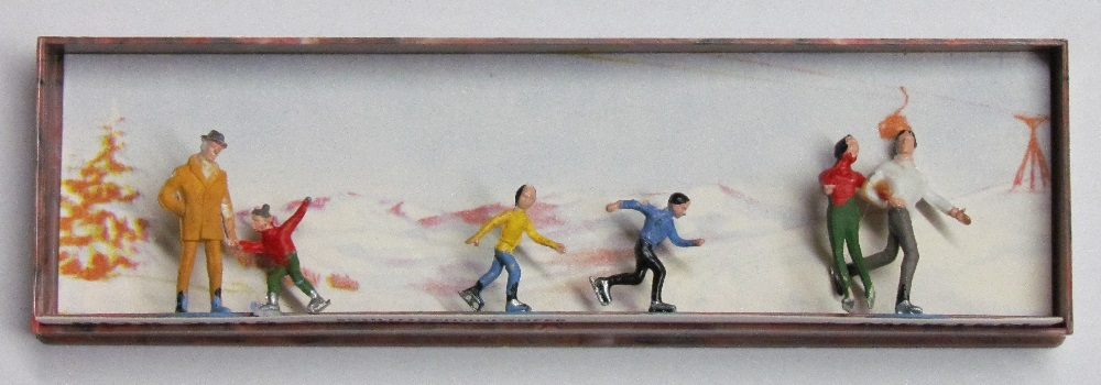 Merten - Ice Skaters - 5/8 inch to 7/8 inch tall - HO Scale