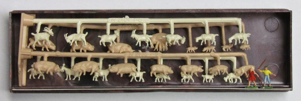 Merten - Young Shepherds with pigs and goats - N Scale