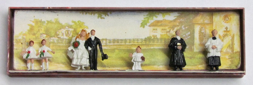 Merten - Wedding Group - 1/2 inch to 7/8 inch tall - HO Scale
